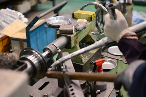 machine shop that uses manufacturing ERP for small business