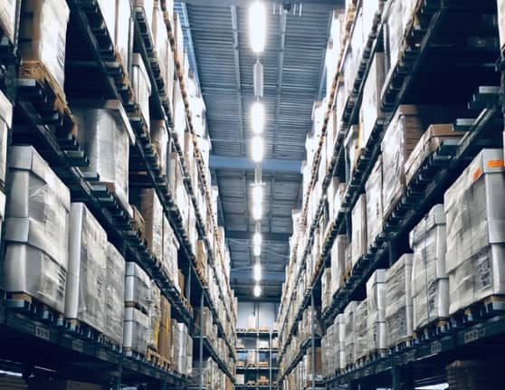 Distribution center that uses distribution software for small business